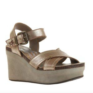OTBT Gold Wedge Platform Sandals